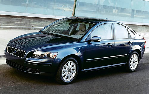 The Volvo S40 2.4i: 2 Tons Of Swedish Magnificence