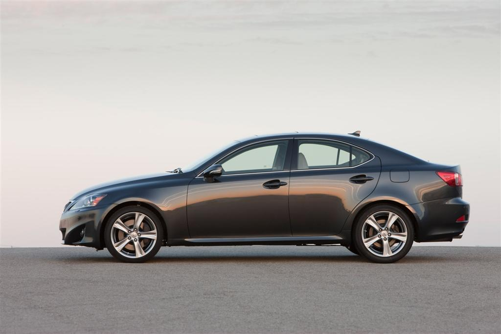 2011_Lexus-IS-350_Sedan-Image-01-1024