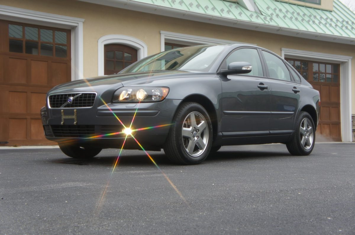 Volvo S40 T5 – The Perfect Car For The Driver Who Wants A Manual